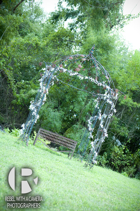 wedding photos at McMurtrie Farms in Pflugerville Texas